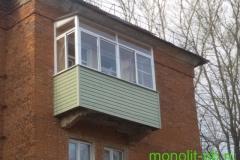 Балкон «под ключ» с крышей и внутренней отделкой евровагонкой в сталинском доме г.Кимовск