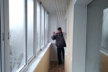 Отделка «под ключ» смежных балконов в «хрущевке» с устройством шкафов с торцов балконов, внутренней отделкой евровагонкой, монтажом лиан, настилом пола с последующей укладкой линолеума в г.Суворов