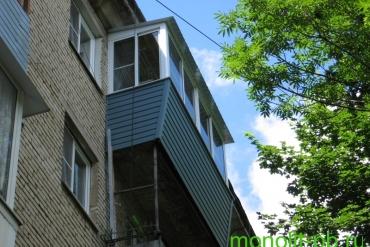 Балкон «под ключ» с выносом вперед по подоконнику на ул.Оборонной, г.Тула.