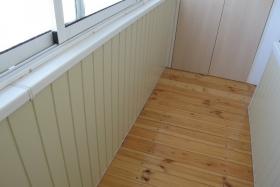 ПВХ панели и деревянный пол