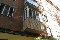 отремонтированная плита балкона с последующим остеклением