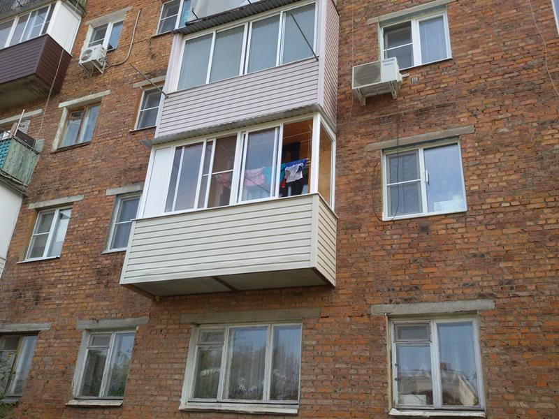 Монтаж  плиты балкона с остеклением и отделкой