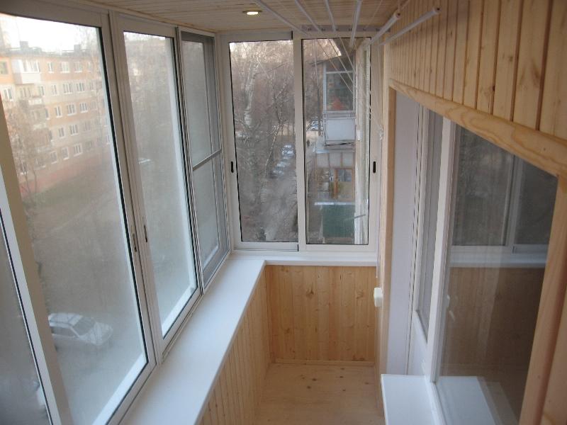 отделка балкона в «хрущевке» евровагонкой</