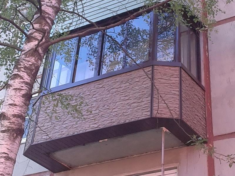 Выносной балкон со скошенными углами