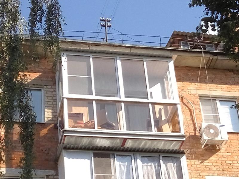 балкон с «французским» остекление